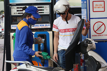 Chiều nay giá xăng dầu đồng loạt tăng