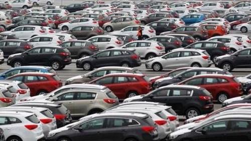 Sức mua ôtô lắp ráp giảm, xe nhập khẩu tăng