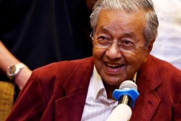 Malaysia chính thức có thủ tướng 92 tuổi, già nhất thế giới