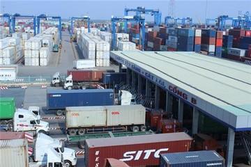 """DN """"cầu cứu"""" Hải quan về kẹt hàng do cảng quá tải"""