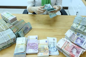 Tái cơ cấu với lõi đặc trưng ngân hàng Việt