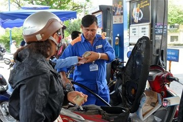 Tăng thuế xăng dầu: Dân nghèo sao chịu nổi!