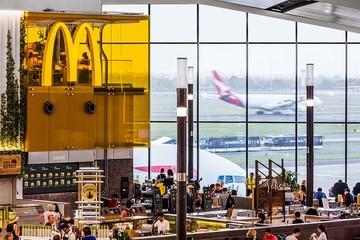 McDonald's khai trương cửa hàng có bếp ở ngay trên quầy thu ngân