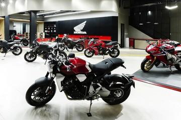 Loạt môtô phân khối lớn Honda giá từ 172 triệu đồng