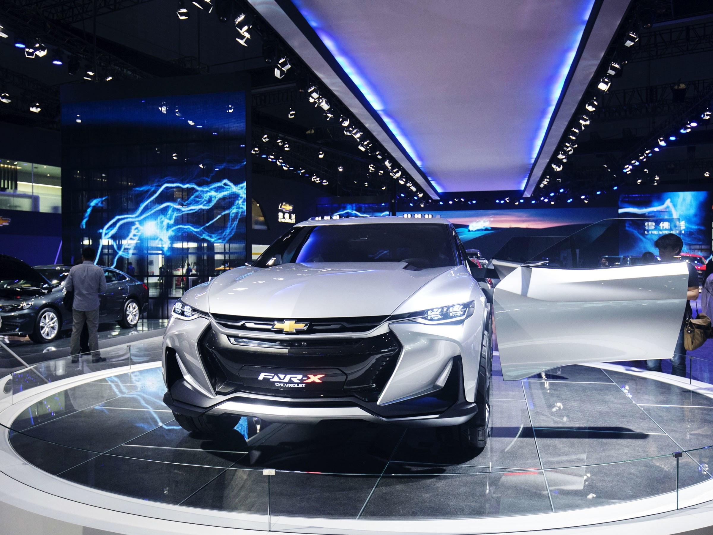 Trung Quốc giảm mạnh thuế nhập khẩu ô tô và linh kiện