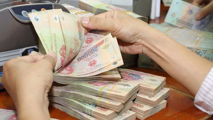 Dư nợ vay ngắn hạn nước ngoài của doanh nghiệp, tổ chức tín dụng tăng đột biến
