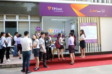 TPBank lắp đặt ngân hàng tự động 24/7 tại Học viện Ngân hàng