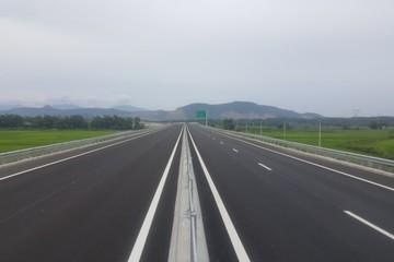 Tại sao suất đầu tư cao tốc của các nước trong khu vực chỉ 200-300 tỷ, còn VN đến 1.000 tỷ?