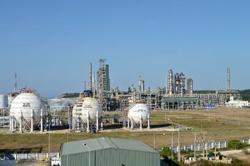 Lọc Hóa dầu Bình Sơn sẽ bán đấu giá cổ phần tại PV Building và PMS