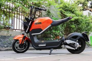 Xe máy điện 'dân chơi' giá 23 triệu về Việt Nam
