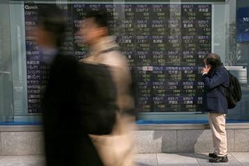 Chứng khoán liên tục biến động, USD lên đỉnh vì Mỹ - Triều Tiên