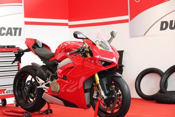 Ducati Panigale V4 S - siêu môtô giá gần 1 tỷ đồng tại Việt Nam