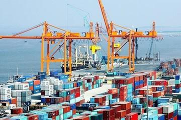 Việt Nam ước xuất siêu 2,71 tỷ USD nửa đầu năm 2018