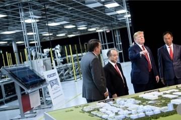 Ông Trump chỉ trích Trung Quốc khi dự lễ khởi công nhà máy Foxconn