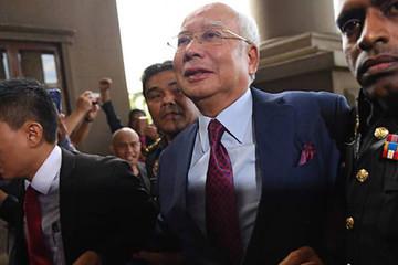 Cựu thủ tướng Malaysia bị truy tố 4 tội danh