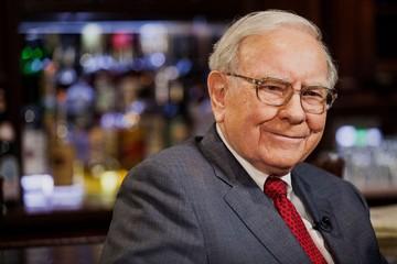 Buffett dần từ bỏ công cụ phái sinh