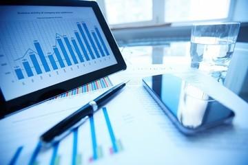 DIC, PVD, HBC, HAH, CTS: Thông tin giao dịch lượng cổ phiếu lớn