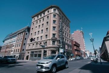 Thành phố đầu tiên của Mỹ chia 500 USD mỗi tháng cho dân