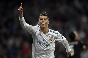 Cristiano Ronaldo chuyển đến Italy - thắng lợi lớn cho Juventus và các nhà tài trợ