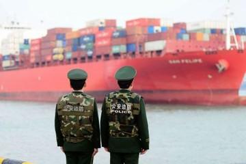 Trung Quốc gia tăng thặng dư thương mại với Mỹ trong tháng 6