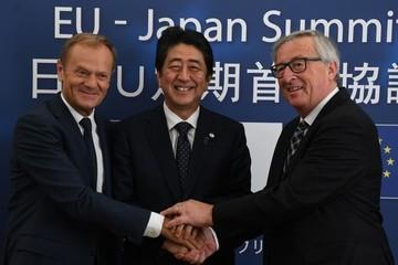 EU và Nhật Bản ký thỏa thuận tự do thương mại lịch sử chống lại Trump