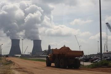 Đầu tư năng lượng giảm, lo ngại an ninh và biến đổi khí hậu tăng
