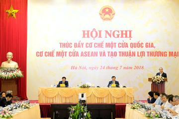 Thủ tướng: Không 'ôm giữ' những điều kiện kinh doanh không cần thiết