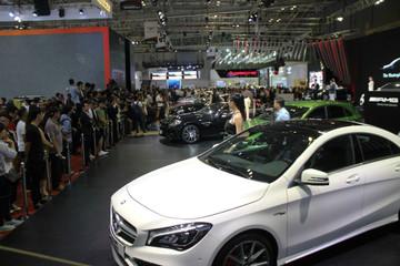Thị trường xe sang Việt nửa đầu 2018 - cuộc đua không cân sức