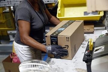 Lợi nhuận Amazon lần đầu vượt 2 tỷ USD