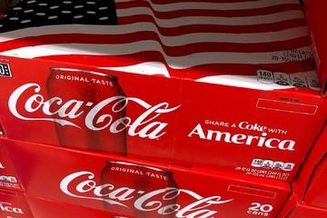 Coca-Cola tăng giá vì thuế nhôm