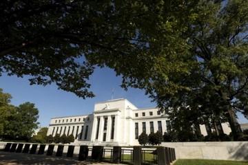 Fed nâng triển vọng kinh tế Mỹ, chưa tăng lãi suất