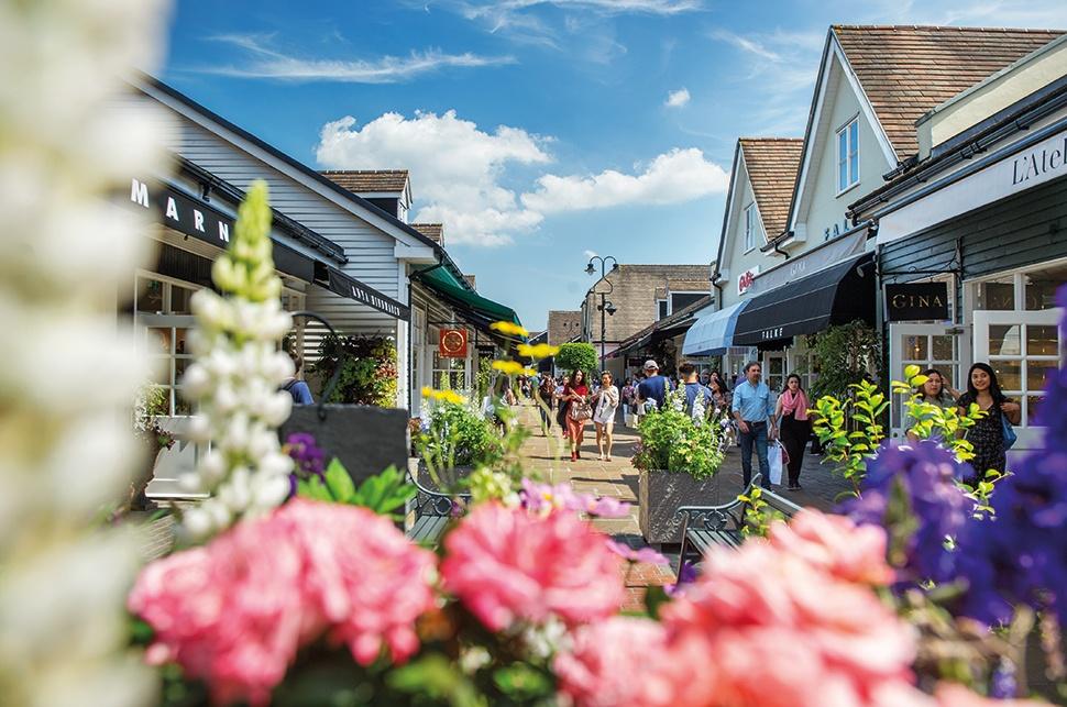 Những 'làng' đồ hiệu giảm giá nổi tiếng ở châu Âu