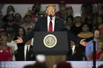 """Ông Trump tuyên bố """"cao tay hơn"""" Trung Quốc về thương mại"""