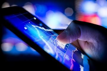 Khối ngoại mua ròng mạnh POW và bán BSR trên UPCoM