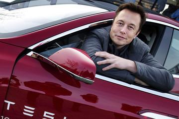 Elon Musk: Arab Saudi rất hứng thú với tư nhân hóa Tesla