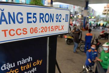 Chi quỹ bình ổn, giữ nguyên giá xăng, tăng giá dầu diesel