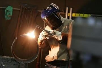 Mỹ áp thuế 132% với ống kim loại nhập từ Trung Quốc