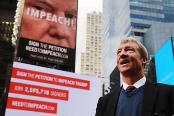 Tỷ phú đảng Dân chủ muốn tranh cử tổng thống, tìm cách phế truất Trump