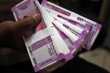 Rupee Ấn Độ mất giá kỷ lục