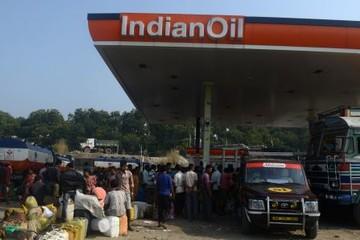 Ấn Độ sẽ vượt Trung Quốc về tiêu thụ dầu vào năm 2024