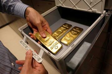 Vàng SJC tiếp đà giảm, chênh lệch với thế giới vượt 3 triệu đồng/lượng