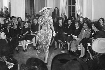 Từ phá sản đến tỷ USD: Những câu chuyện thời trang vĩ đại nhất