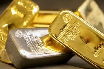 Tỷ lệ bạc mất giá so với vàng lên cao nhất gần 10 năm