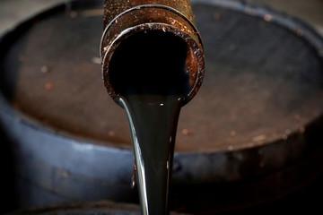 Nhu cầu dầu thô sẽ chạm 100 triệu thùng/ngày vào cuối 2018