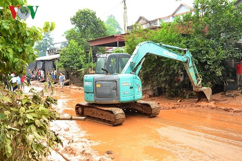 Khẩn trương khắc phục sự cố vỡ bờ đập bãi thải Nhà máy DAP Lào Cai