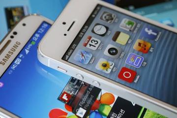 Cổ phiếu Apple sụt giá sau khi iPhone mới ra mắt