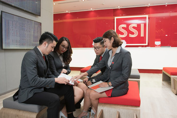 SSI tiếp tục được Asiamoney vinh danh là 'Nhà môi giới chứng khoán tốt nhất Việt Nam'
