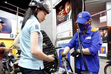 VDSC: Tăng thuế xăng dầu sẽ tăng gánh nặng lên chi tiêu hộ gia đình