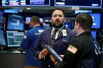 Chứng khoán Mỹ biến động trái chiều trước khả năng Fed tăng lãi suất