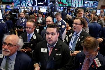 Chứng khoán Mỹ mất điểm vì Fed